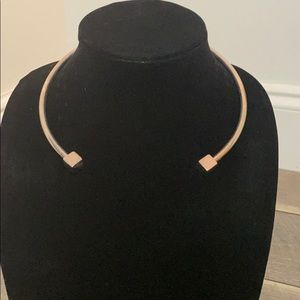 Silver reverse chocked necklace